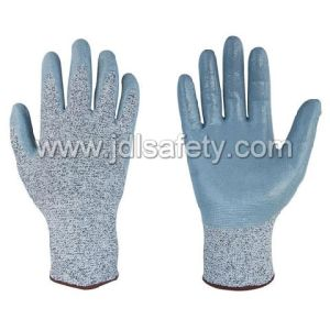 Anti-Cut Work Glove with Smooth Nitrile (PD8033) pictures & photos