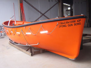 Med Approved Marine Life Saving Equipment GRP Open Type Life Boat pictures & photos