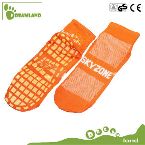 Customized Jump Indoor Custom Non Slip Socks Yoga Sock Ankle Socks for Trampoline pictures & photos
