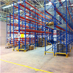 2015 New Style Warehouse Equipment American Rivet Racking Wire Mesh Shelving pictures & photos