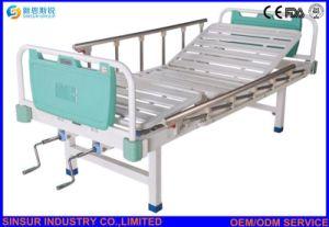 Aluminum-Alloy Guardrail Double-Crank Manual Medical Instrument Hospital Beds pictures & photos