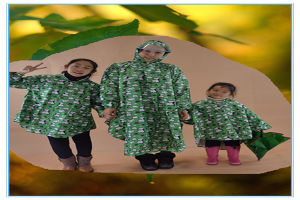 Durable Fashionable Rain Poncho with Hood for Children pictures & photos