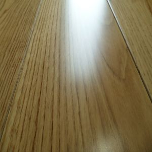 Factory Direct Supplying Oak Hardwood Floors pictures & photos
