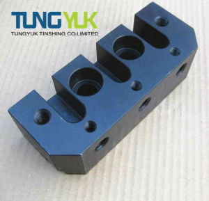 2017 Customized CNC Precision Milling Machining Parts pictures & photos