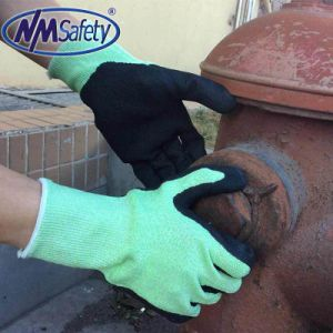 Nmsafety Sandy Nitrile Coated Cut Resistant Work Safety Glove pictures & photos