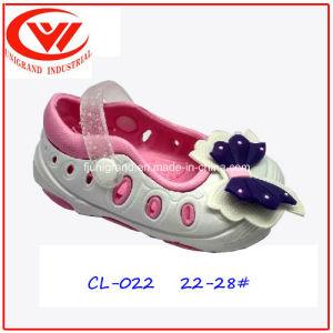 Fashion Style Children Plastic Sandals Lightweight EVA Clogs pictures & photos