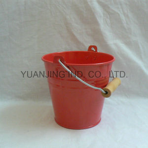 Hot Sell Garden Decoration Tin Flower Bucket with Wood Handle pictures & photos