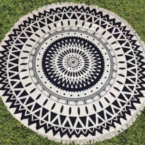 High Quality Round Bottom Beach Towel pictures & photos