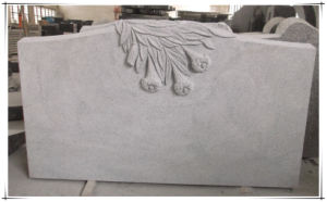 Natural Granite for American Memorial with Flower Carving Sculpture by Hand pictures & photos