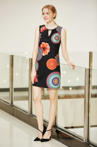 Sleeveless Round Neck Digital Printing Floral Tunic Dress with Front Key Hole pictures & photos