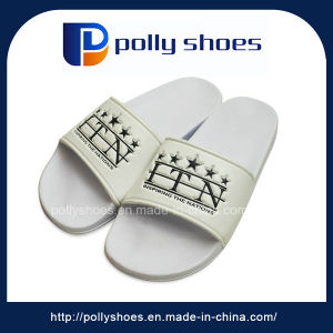 Nice Quality Customize Logo White Men EVA Walker Slippers pictures & photos