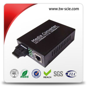 10 / 100m 1310nm Sm Fiber Ethernet Media Converter with Black Silver 60km Sc External Power pictures & photos