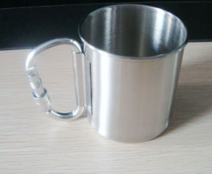 10oz Metal Cup with Mountaineering Buckle pictures & photos