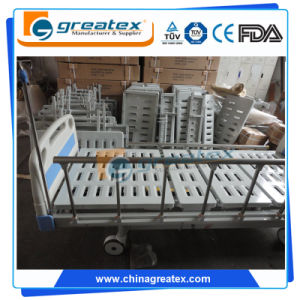 Manual Bed 5 Function Hospital Beds with Central Lock System (GT-BM1102) pictures & photos
