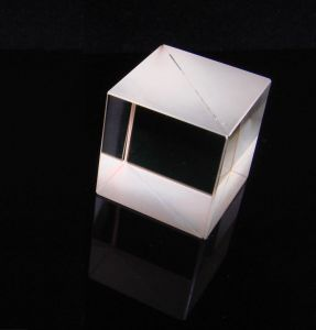 Customized Quartz Optical Glass Prism pictures & photos