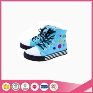 Low Cut and High Top Adult Classical Vulcanized Canvas Shoes pictures & photos