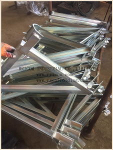 Galvanized Side Brackets for Frames System Scaffoldings pictures & photos