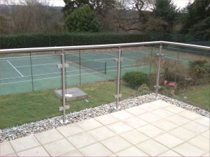Handrail Glass Railing Outside U Channel Railing Balustrade pictures & photos