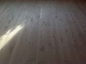 Natural Grade Oak Multilayer Wood Flooring pictures & photos