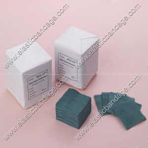 Green Color Gauze Swabs for Surgical Use pictures & photos