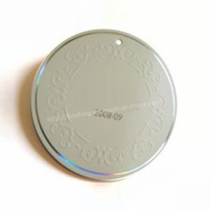 High Quality Round Hang Tag with Embossing and Foil pictures & photos