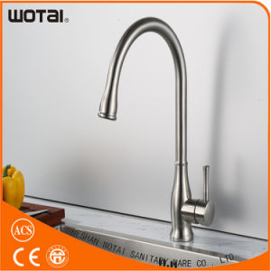 Hot Sale Brass Single Lever Kitchen Sink Taps pictures & photos