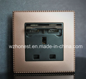 British 13A USB Socket with Double USB Charging Ports, 2100mA USB Port pictures & photos