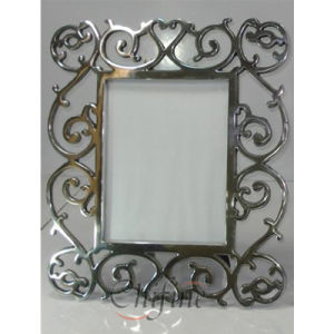 Cast Iron Flower Fence/Garden/Photo/Bed Frame pictures & photos