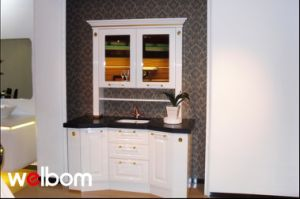 2015 Welbom White Lacquered Corner Bathroom Cabinet pictures & photos