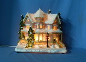 """12.5"""" Lighted House. (11019)"""