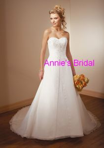 Wedding Dress (D103)