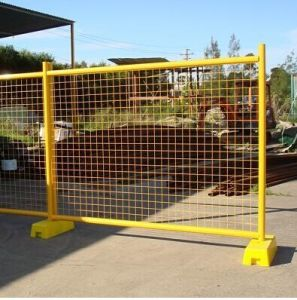 Spray Painting Movable Fence S433
