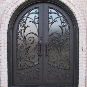 Round Top Exterior Wrought Iron Double Door (UID-D032) pictures & photos