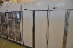 Stainless Steel Upright Fridge of 1000 Liters pictures & photos