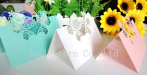 Latest Good Quality Wedding Decoration Pearl Laser Cutting Bride and Groom Wedding Table Seat Card