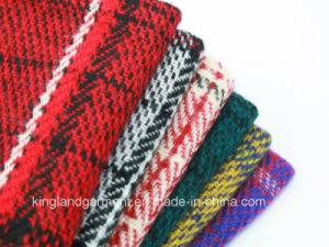 100% Acrylic Men′s Winter Warm Checked Knitted Scarf pictures & photos