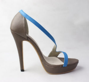 Latest Design Fashion Girls High Heels Sandals pictures & photos