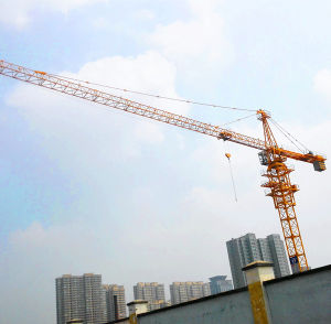 China Tower Crane in Dubai pictures & photos