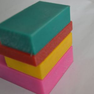 0.92-0.98g/cm3 Density Green Pink Yellow Red PE Sheet pictures & photos