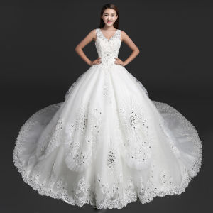 V-Neck Bridal Ball Gown Real Photos Lace Tulle Wedding Dress A1709 pictures & photos