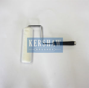 016 Paint Roller (Pure White With Long Black Plasric Handle) pictures & photos