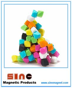 New Candy Color Irregular Fridge Memo Magnet pictures & photos