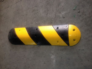 Plastic & Rubber Speed Bump Portable Road Speed Humps (CC-B32) pictures & photos