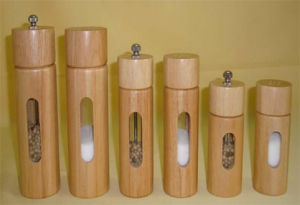 Wooden Salt and Pepper Mill, Pepper Grinder, Salt Mill, Salt Shaker pictures & photos