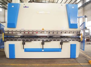 CNC Plate Rolling Machine with CNC Controller pictures & photos