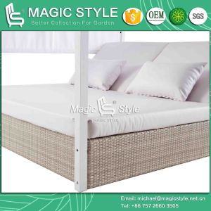 Hotel Wicker Sunbed with Cushion Outdoor Daybed with Pillows Garden Sun Bed Rattan Wicker Daybed Leisure Wicker Double-Bed Patio Furniture pictures & photos