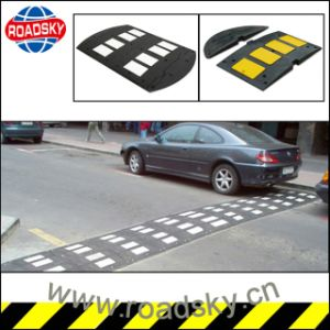 Factory Directly Sale Durable Rubber Road Hump for Safety pictures & photos