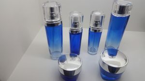 Qf007 Wid Varieties Beauty Glass Bottle pictures & photos