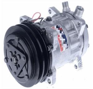7h15-8031 Auto AC Compressor pictures & photos