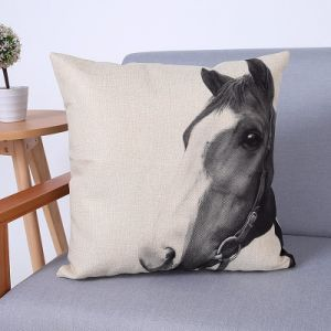 Digital Print Decorative Cushion/Pillow with Horse Pattern (MX-80) pictures & photos